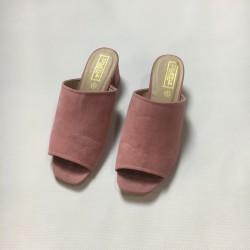 Różowe sandałki r. 39